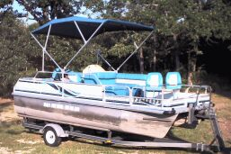 18' Voyager Sportsman Pontoon Boat with 40 HP Nissan Motor
